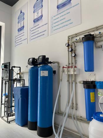 Доставка води на Троєщині